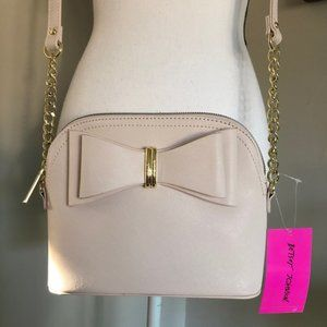 *BETSEY JOHNSON* Cream Bow Dome Crossbody Purse
